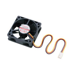 85ac04027a 電源3pinのケース用ファン。パソコンケースに取り付けて熱暴走を防止する。